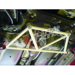 Toyota IST/Urban Cruiser 01-06 Ultra Racing 4-Points Barre inférieure centrale